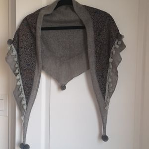 grey double sided triangular fringed scarf